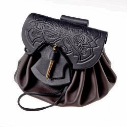 Celtic leather pouch bag - closure