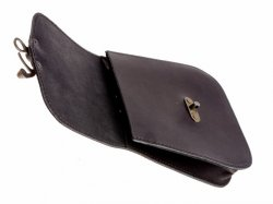 Belt pouch with hook clasp