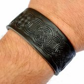 Leather Wristband in 3 cm - Knot work