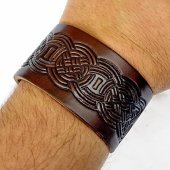 Leather Wristband in 4 cm - Knot work